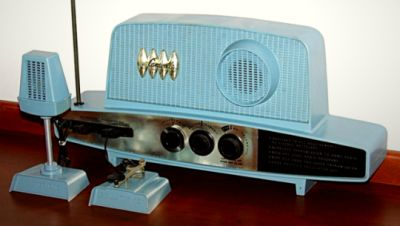 Caravelle Transmitter-Receiver By Remco, AM Band, 3 Transistors, 1962.