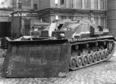 A Ramschaufelpanzer Stug IV. as seen in 1944, literally just a Stug IV with a bulldozer blade put onto the front. The gun on this vehicle has been removed, which leads me to think it may have been pretty badly damaged elsewhere, and this was a good compromise to keep it working in some capacity.
