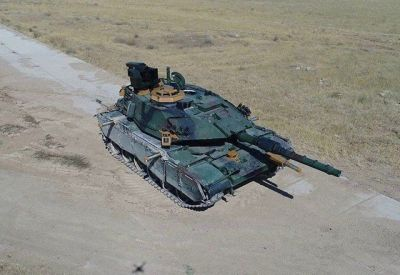 An M60TM, an upgraded M60 Patton tank in service with Turkey.