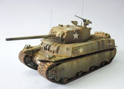 A fabulous model of an M6 heavy tank, the army's planned (but never deployed) World War Two heavy tank.