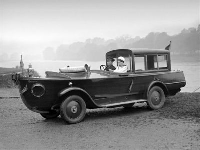 The bizarre 1925 Peugeot Motorboat Car.